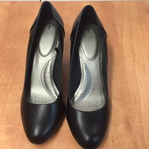 Time and true Women's basic pump Size 9